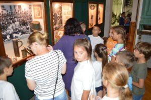 Erzsébet táboros Petőfisek a múzeumban…múltfürkész